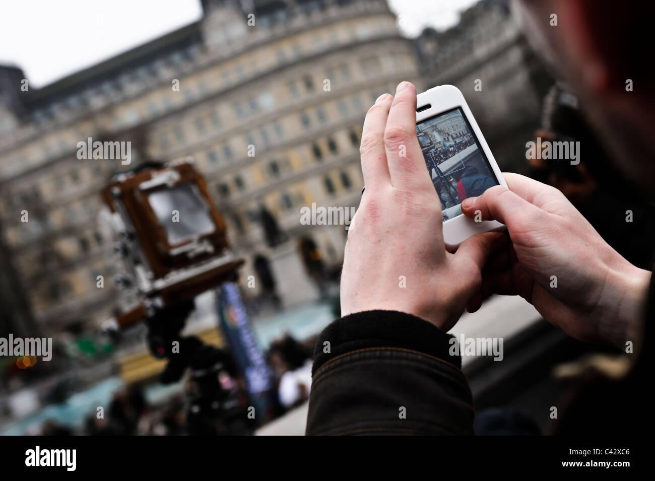 Un Iphone Est Utilis La Photographie Une Vieille Chambre