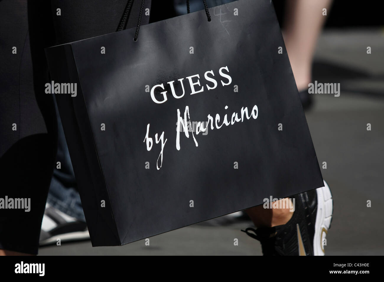 b343f4f2dd Guess Shopping Bag Photos & Guess Shopping Bag Images - Alamy