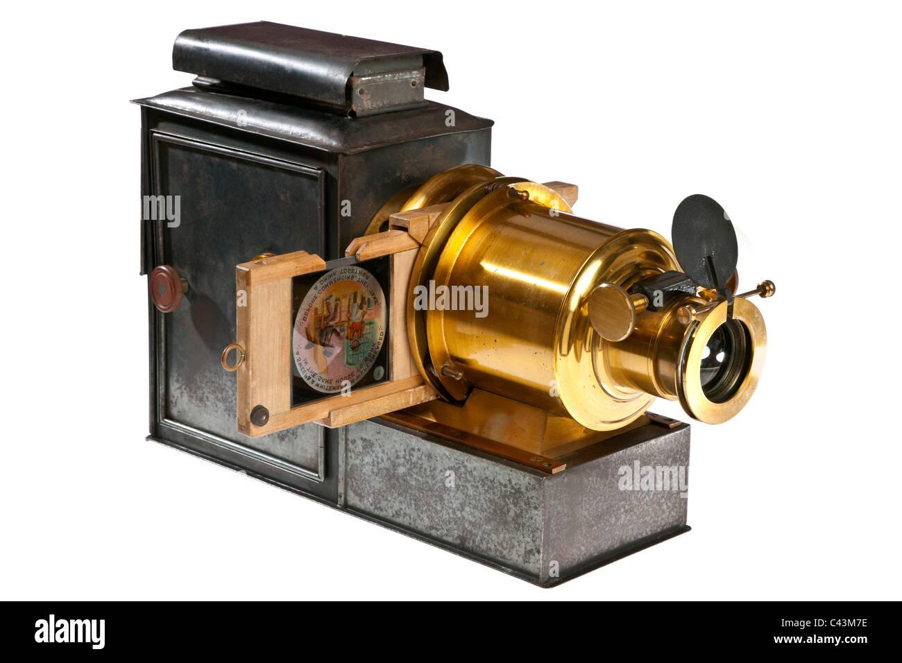 Œuvres d'art, objets rares, insolites et précieux... à bord Projecteur-de-diapositives-de-lanterne-magique-19e-siecle-jmh4931-c43m7e