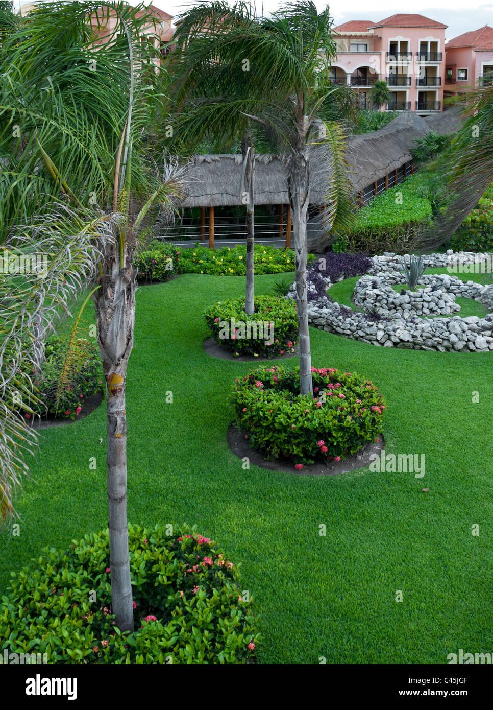 Belle aménagement paysager à des fins de villégiature sur la Riviera Maya de la péninsule du Photo Stock