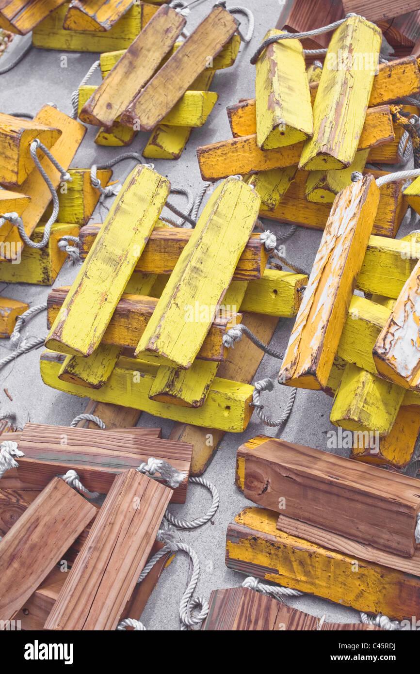 Des piles de cales de roue pour une utilisation dans un petit aéroport Photo Stock