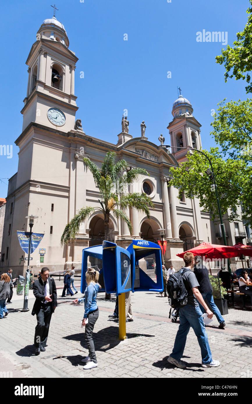 Iglesia Matriz, Plaza de la Constitucion, Barrio Historico, Montevideo, Uruguay Photo Stock