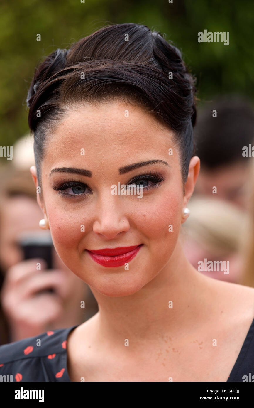 Tulisa Contostavlos arrivant pour la X Factor auditions au LG Arena, NEC, Birmingham Juin 2011 Photo Stock