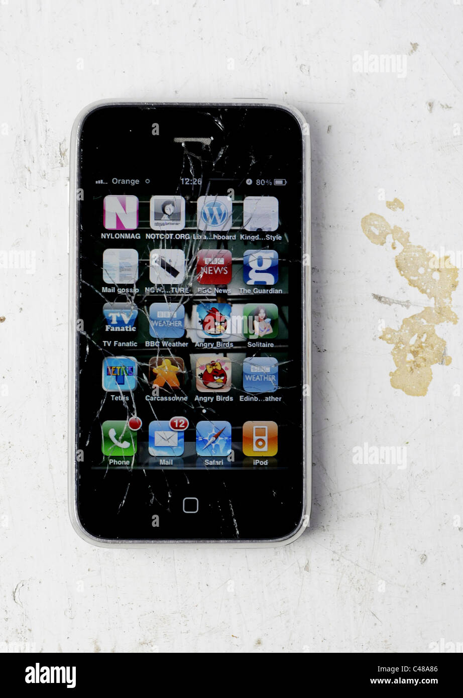 La rupture d un iPhone avec un écran fissuré Banque D Images, Photo ... 9d874e01419