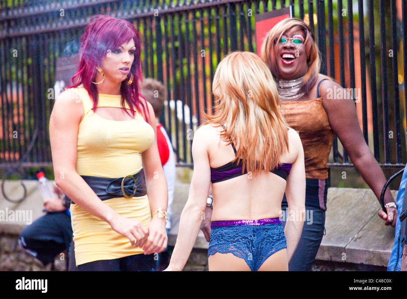 Drag Queen entre artistes de spectacles, bar Le Drague, Québec, Canada Photo Stock