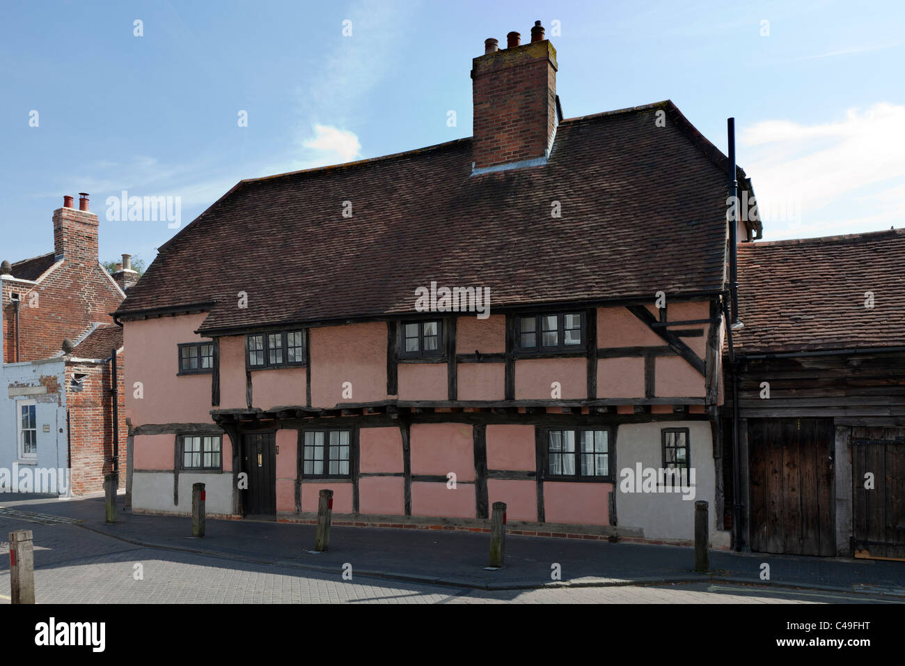 Habitation Maison ancienne Angleterre Hampshire Titchfield UK High Street bois ossature bois rose en bois porte Photo Stock
