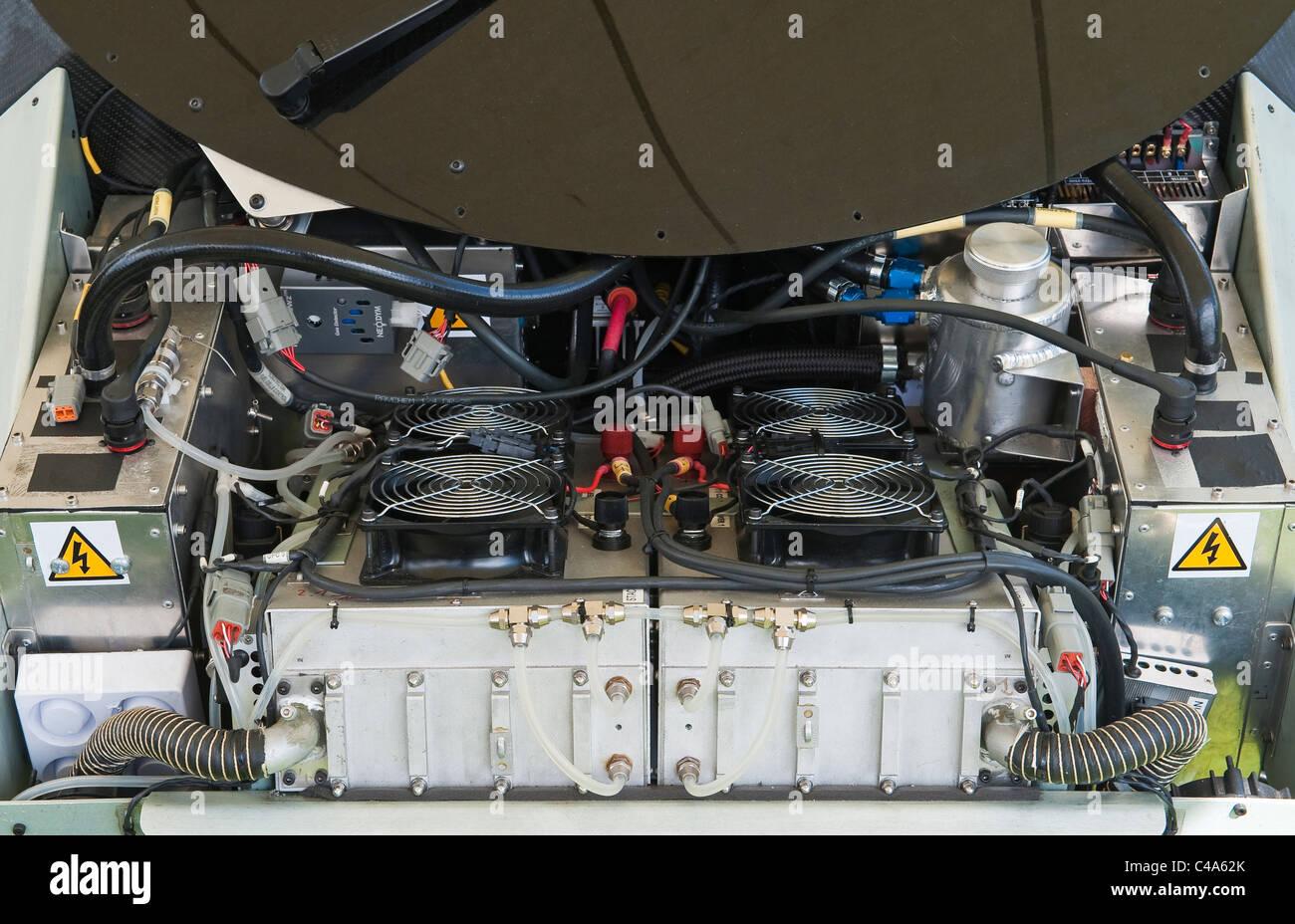 Sous le capot (capot) de la Riversimple voiture électrique urbaine, montrant les piles à hydrogène Photo Stock