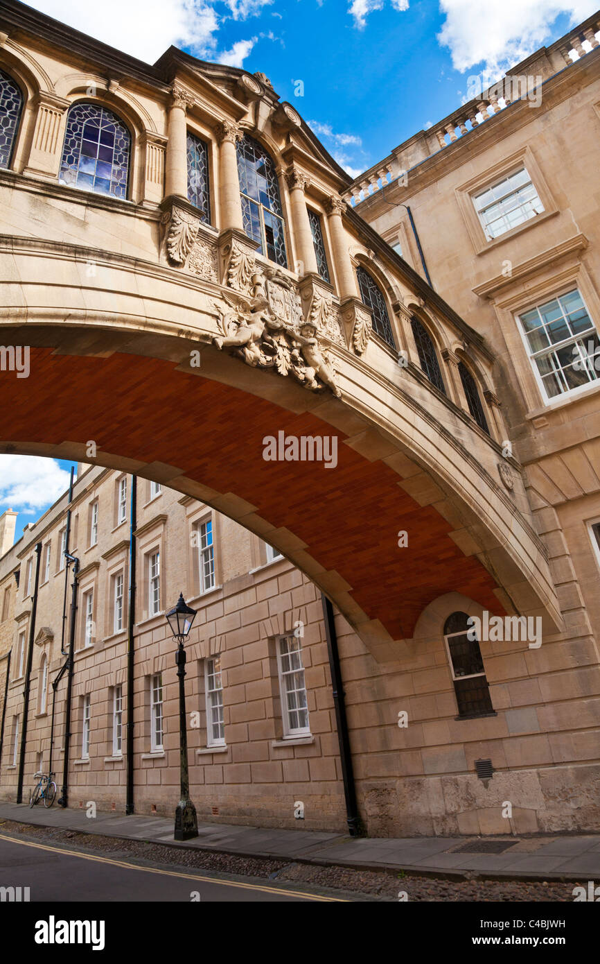 Pont Hertford connu sous le Pont des Soupirs, Hertford College, Université d'Oxford, Oxfordshire, Angleterre, Photo Stock