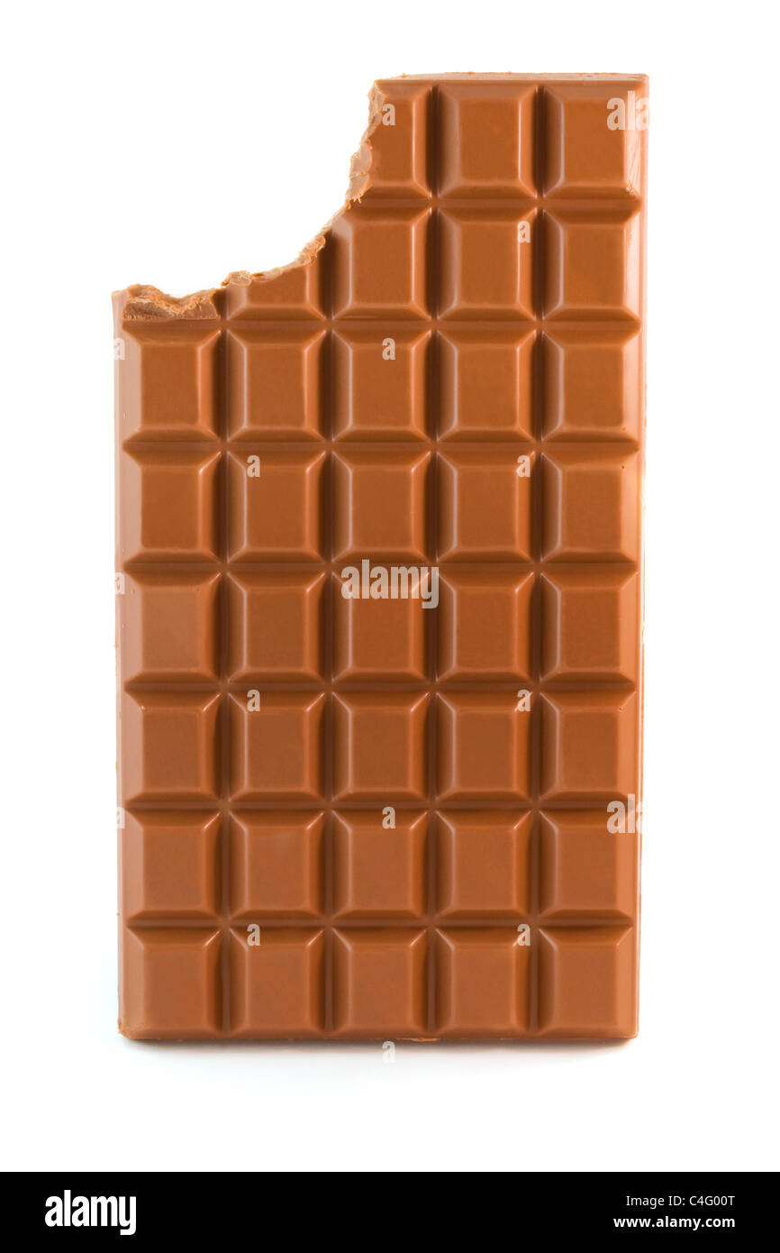 Barre de chocolat au lait avec en-cas manquants isolated over white Photo Stock