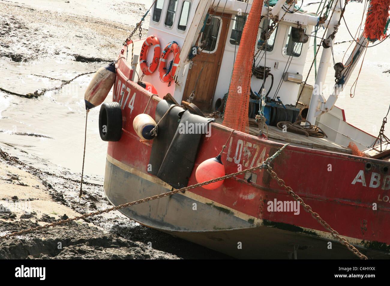 Un bateau de pêche amarré à Leigh On Sea, Essex Photo Stock