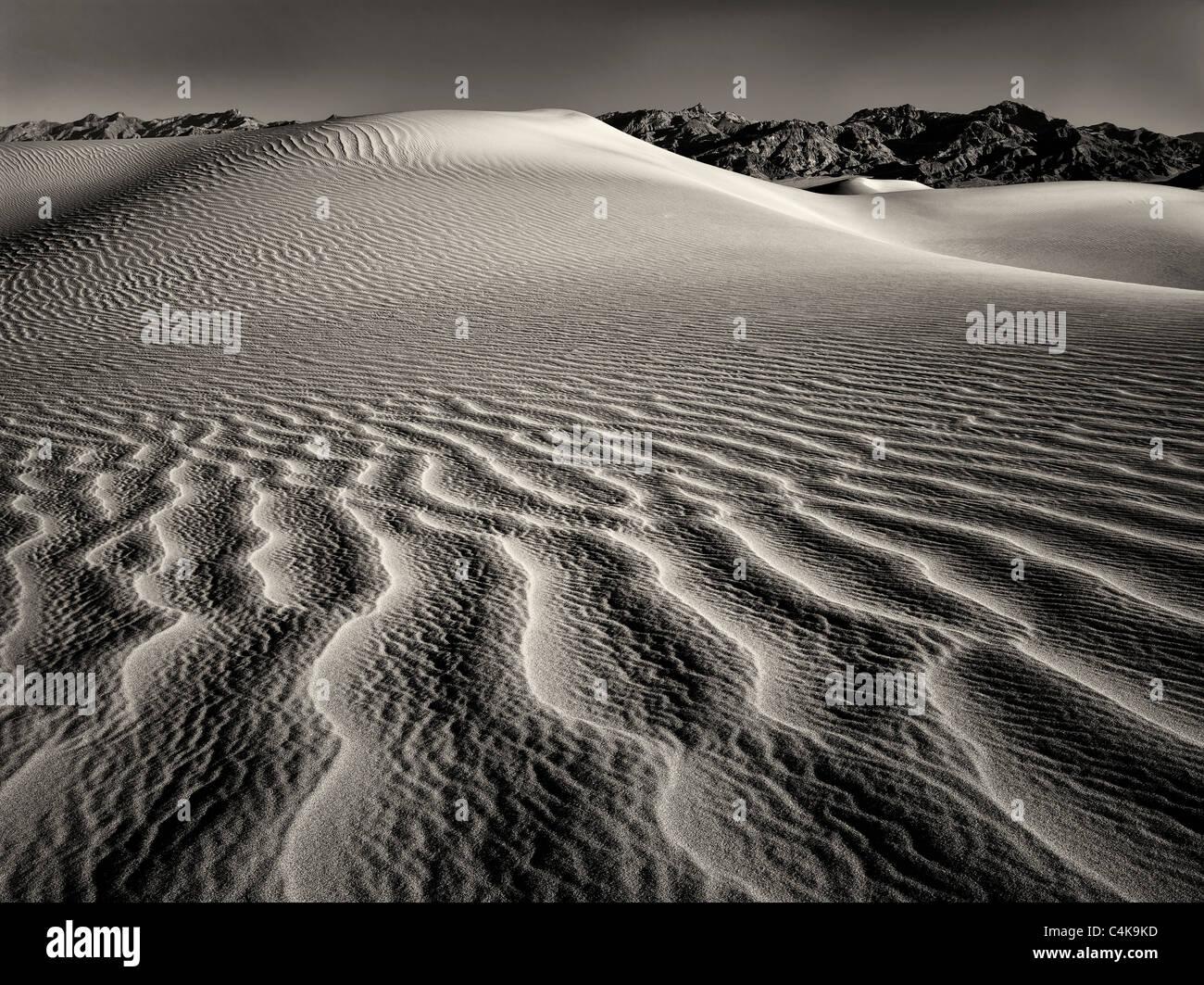 Des modèles dans le sable après une tempête de vent intense. Death Valley National Park, Californie Photo Stock