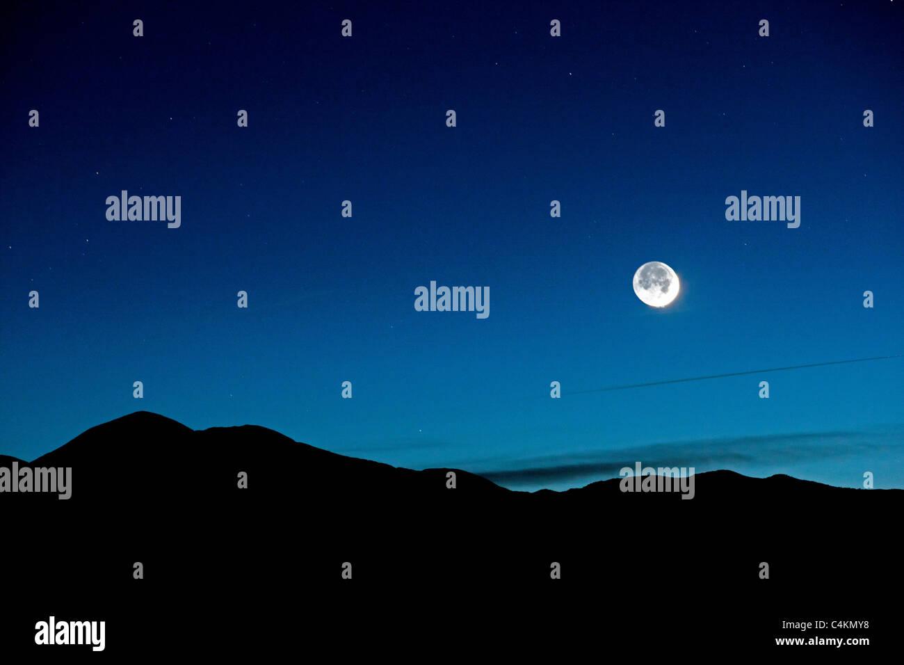 Nouveau croissant de lune Poncha Pass, Chaffee Comté, Colorado, USA. Photo Stock