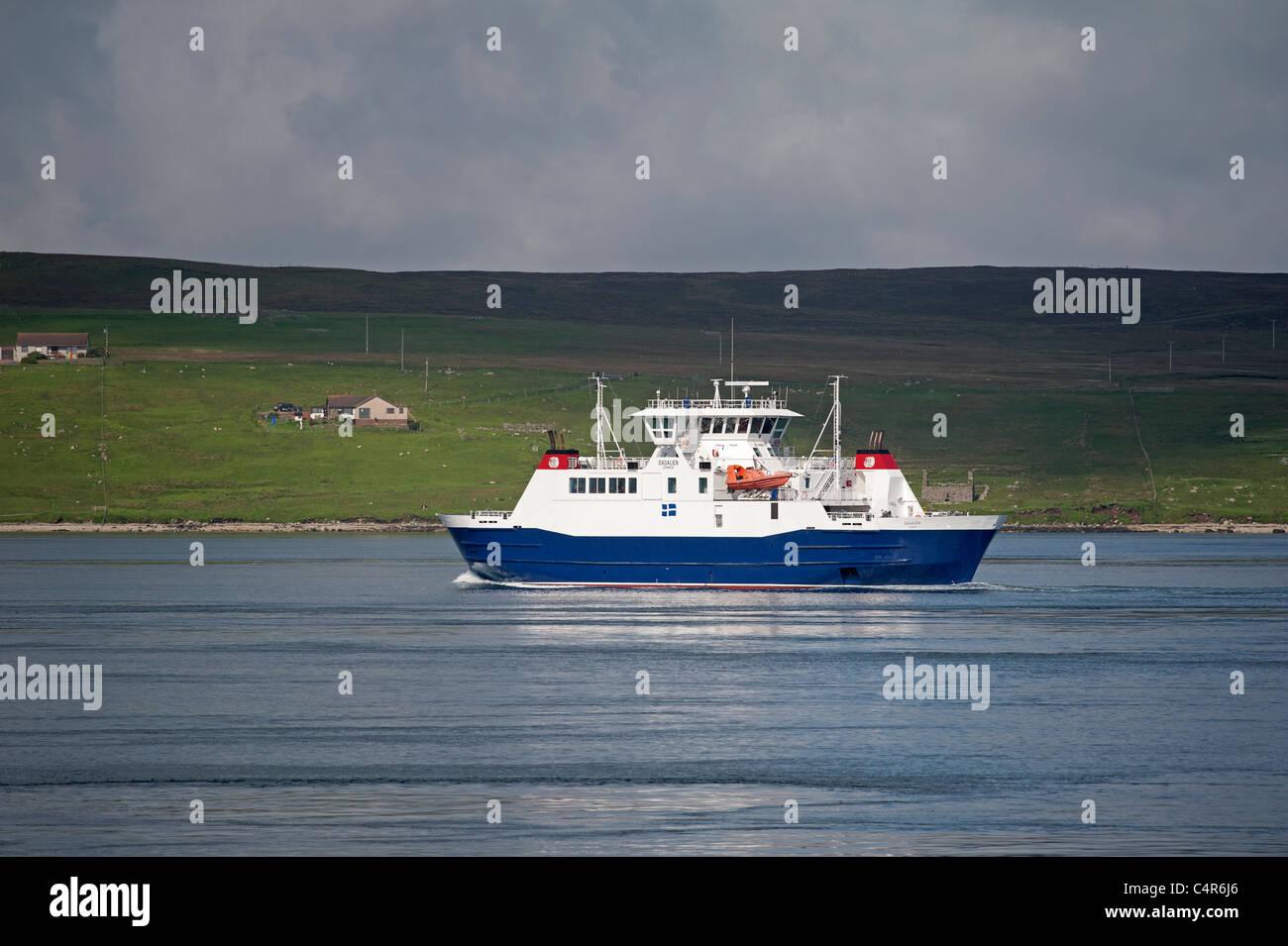 Le Dagalien entre Isle sur son service de ferry traversée normale de crier de la Shetland continent. 7278 SCO Banque D'Images