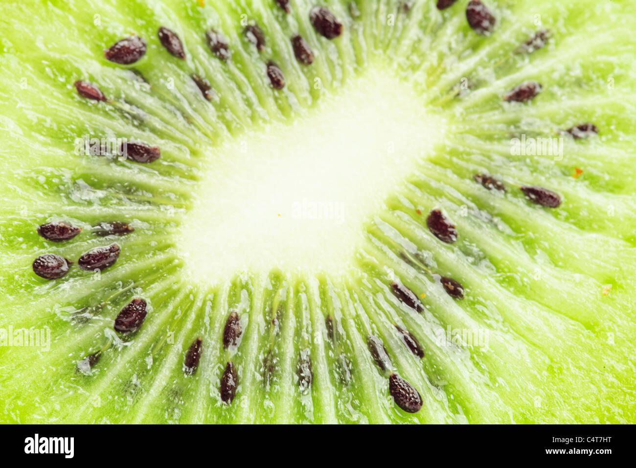 Juteux kiwi isolated on white Photo Stock