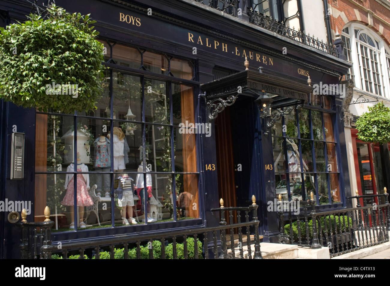 Londres , Mayfair Bond Street , Ralph Lauren Polo les enfants garçons et  filles de boutique de vêtements Fashion designer f95f87dcdc3