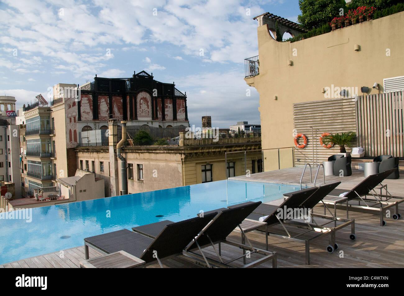 Situé Au Coeur De Barcelone Le Grand Hotel Central Propose Un Toit - Hotel barcelone avec piscine sur le toit