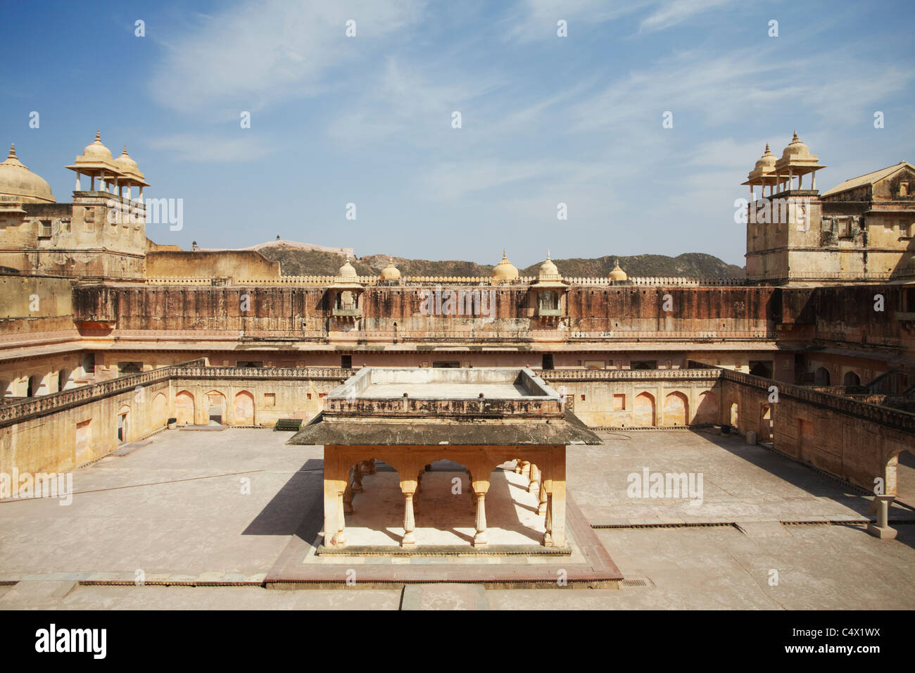 Cour de palais de Man Singh I, Fort Amber, Jaipur, Rajasthan, Inde Photo Stock