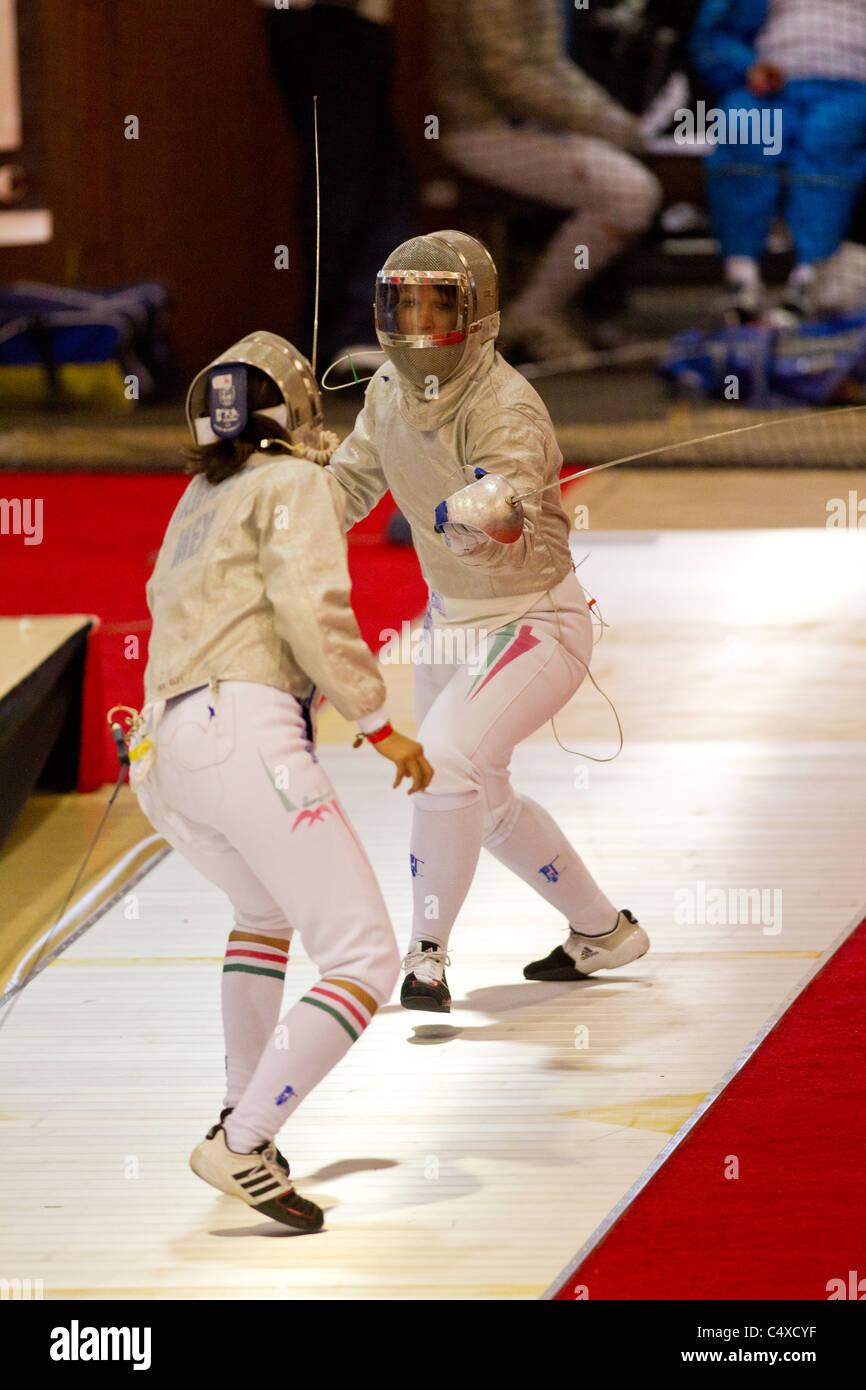 Les concurrents à New York 2011 Coupe du Monde de sabre féminin. Photo Stock