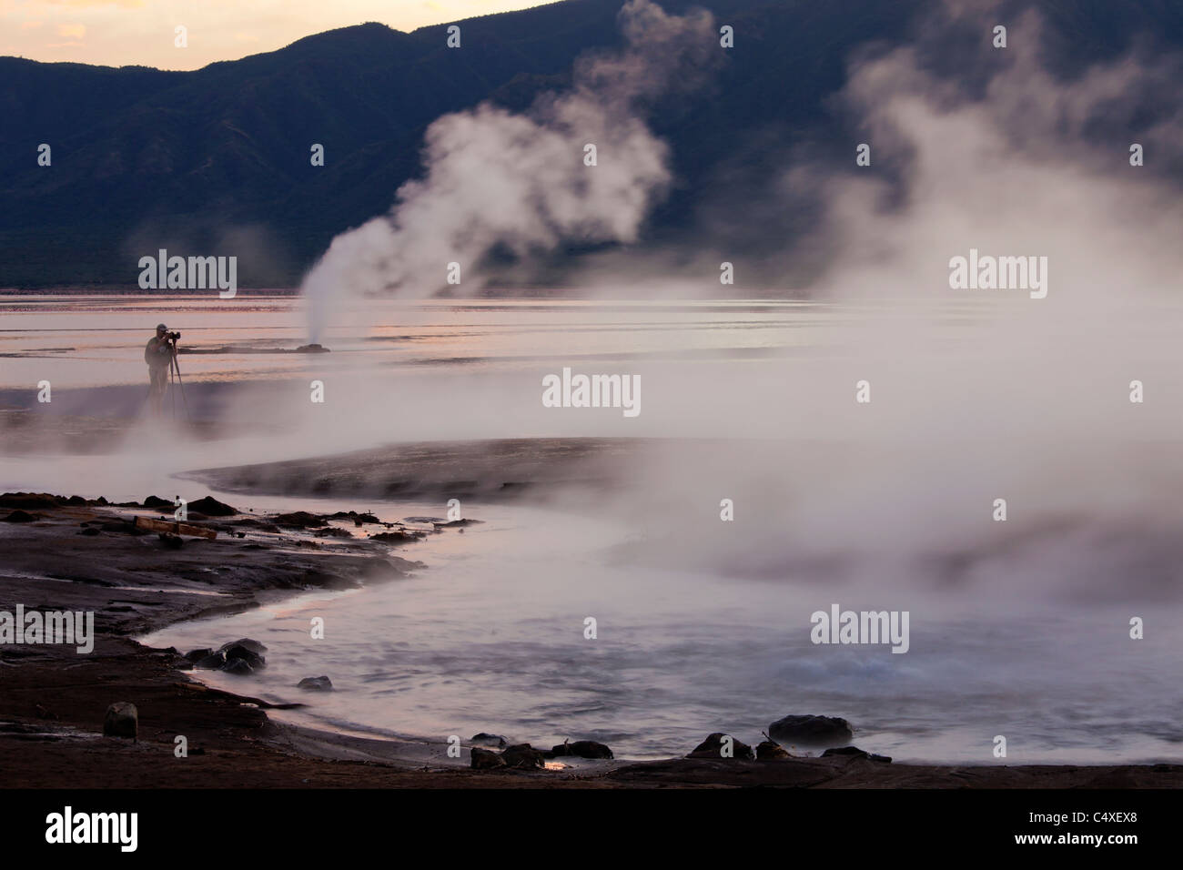 Le lac Bogoria geyser et hot springs.Kenya Photo Stock