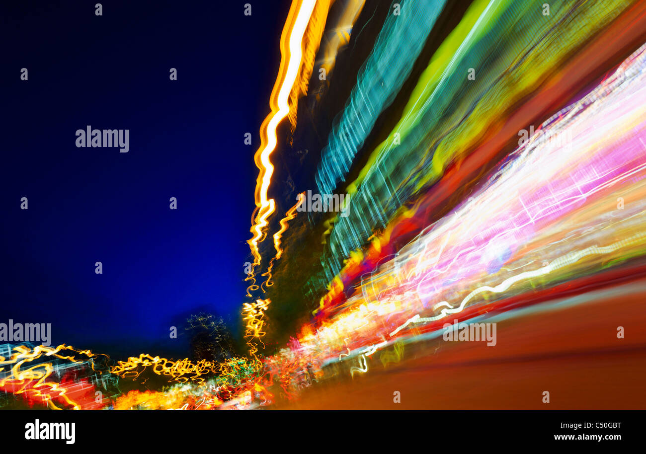 Lumières floues, trafic, art de la lumière, les lumières, l'éclairage des pistes, dynamique, Photo Stock