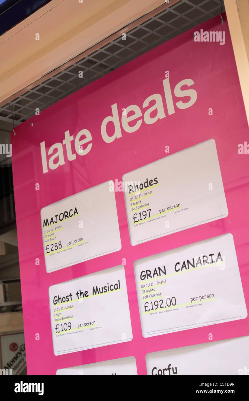La fin de traite dans la fenêtre agence de voyage Royaume-uni Photo Stock
