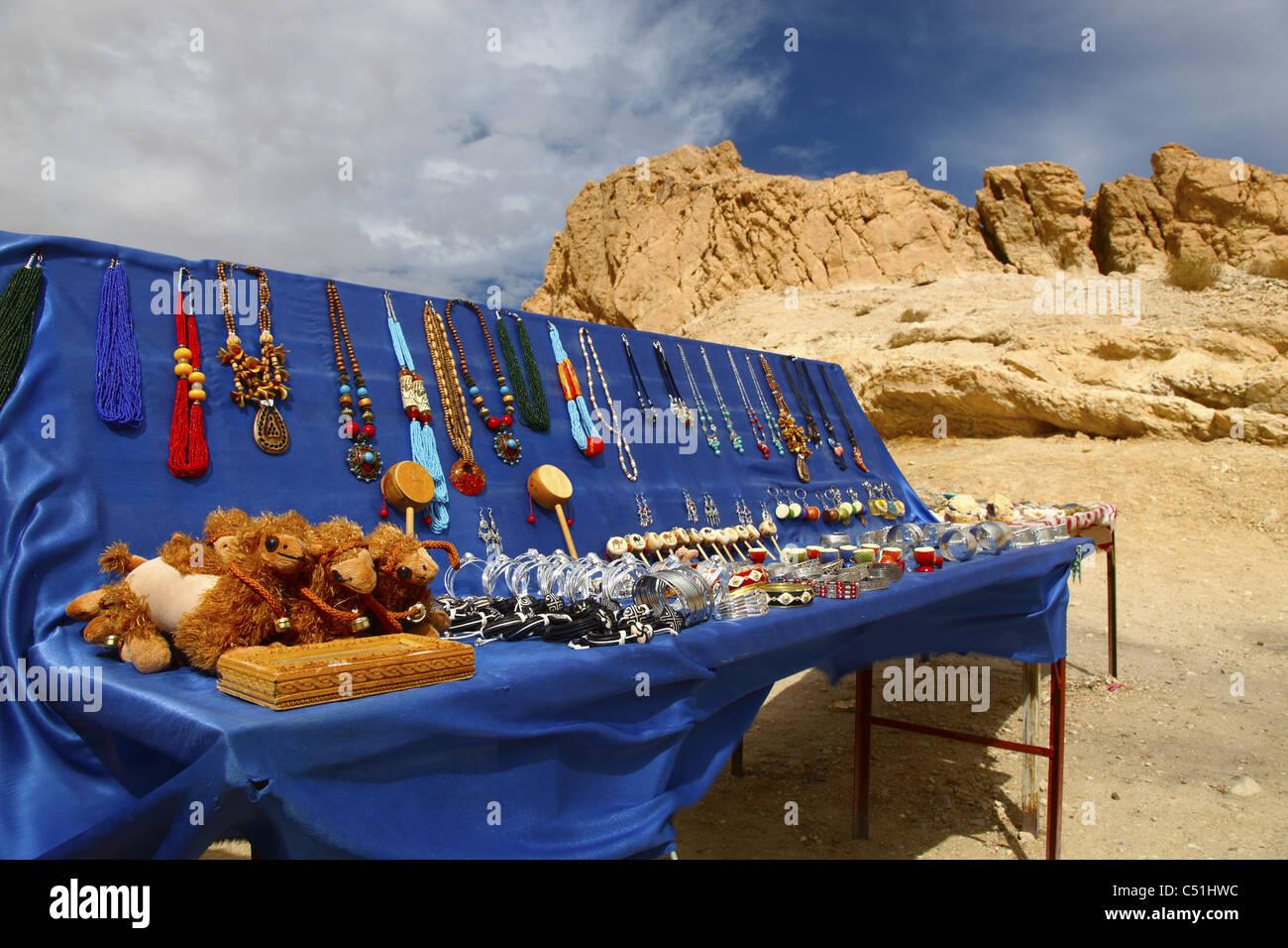 Afrique, Afrique du Nord, Tunisie, Chebika Oasis, décrochage Souvenirs, Bijoux Photo Stock