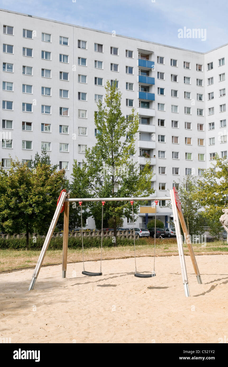 Immeuble préfabriqué, Housing Estate, le logement social, la symétrie, l'établissement, Photo Stock