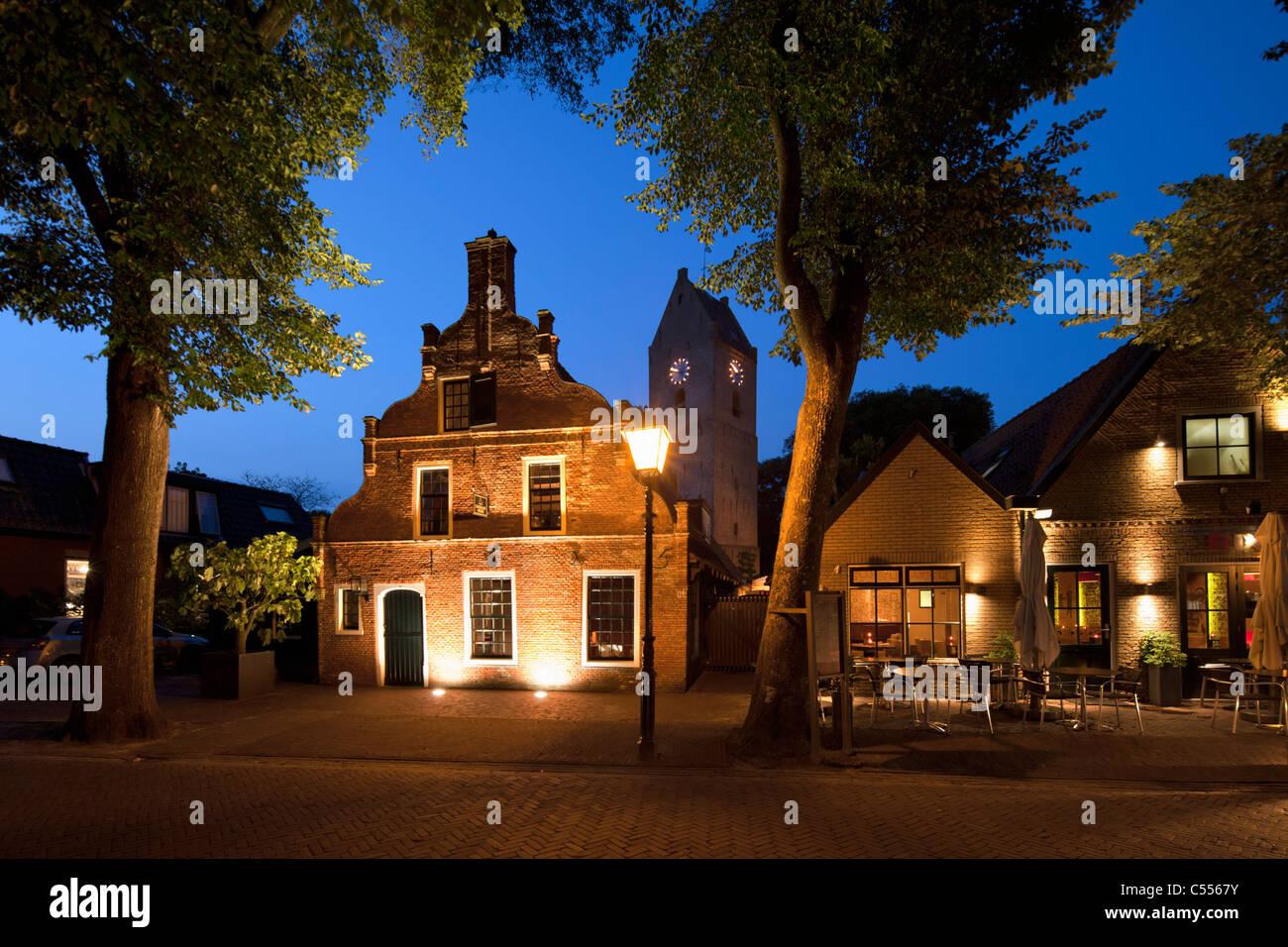 Les Pays-Bas, l'île d'Ameland, Buren, appartenant aux îles de la mer des Wadden. Maison de l'ancien Photo Stock