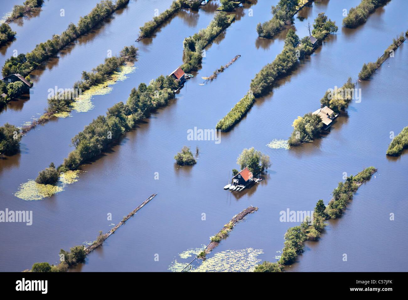 Les Pays-Bas, Breukelen, Dugged hors terre dans les marais. Sports aquatiques. Immobilier maisons de vacances. Vue Photo Stock