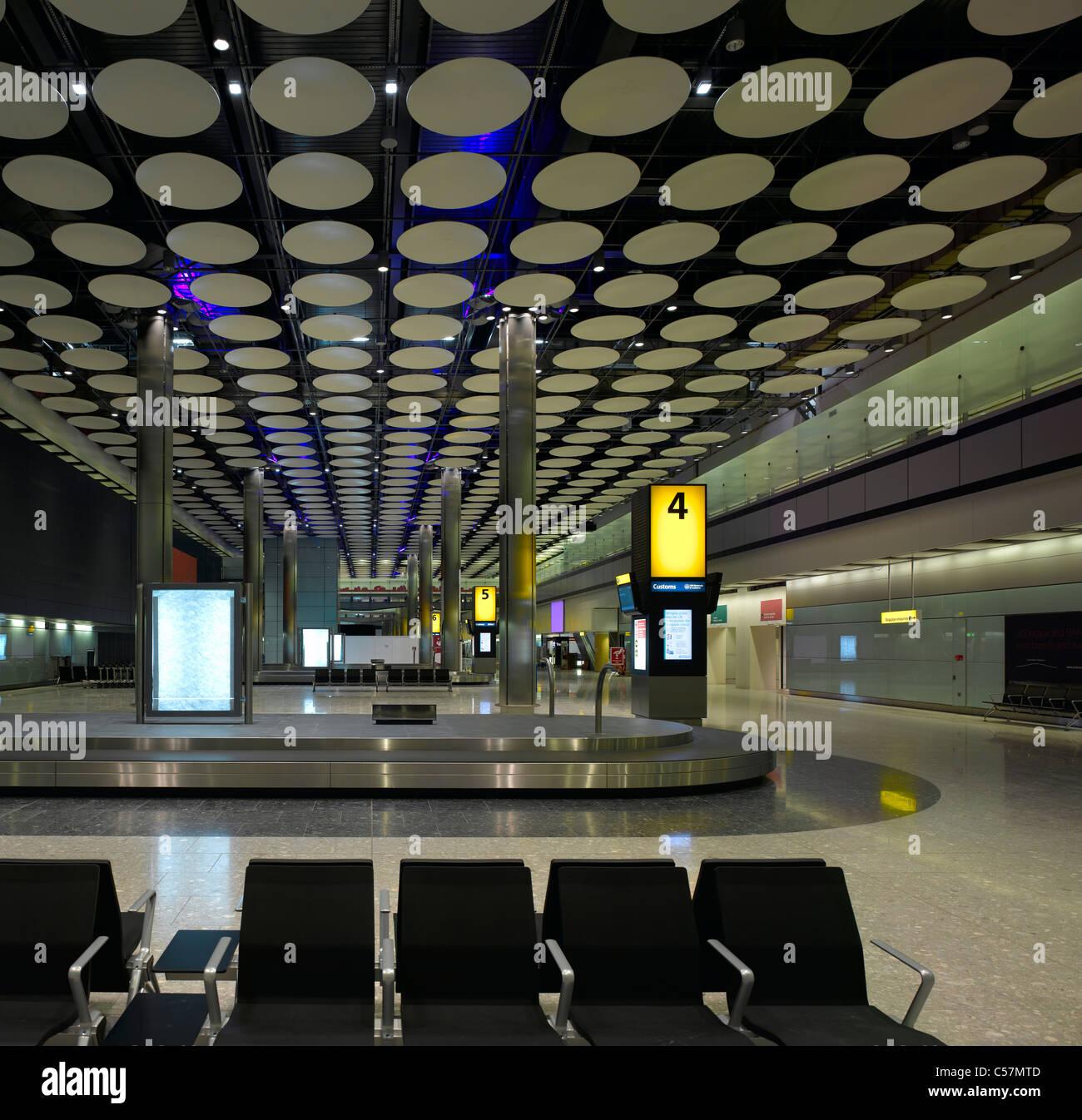 Terminal 5, Heathrow Airport, Londres. Photo Stock