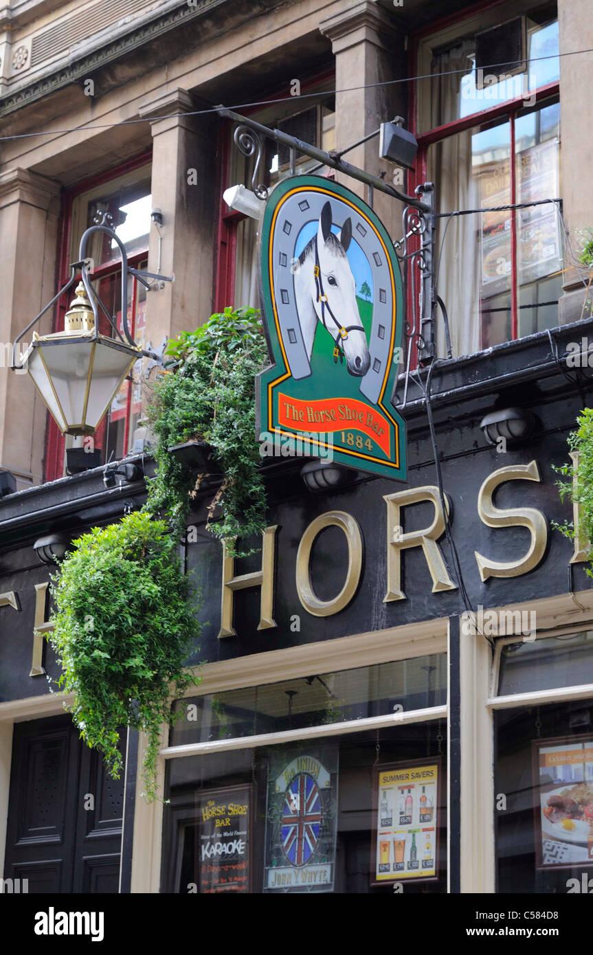 Le Horseshoe Bar de Drury Street Glasgow en Écosse a le plus long Bar de Grande-Bretagne Banque D'Images