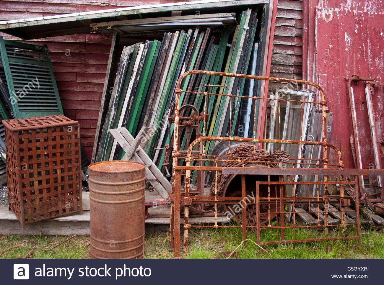 Cour de récupération en milieu rural dans le Maine. Photo Stock