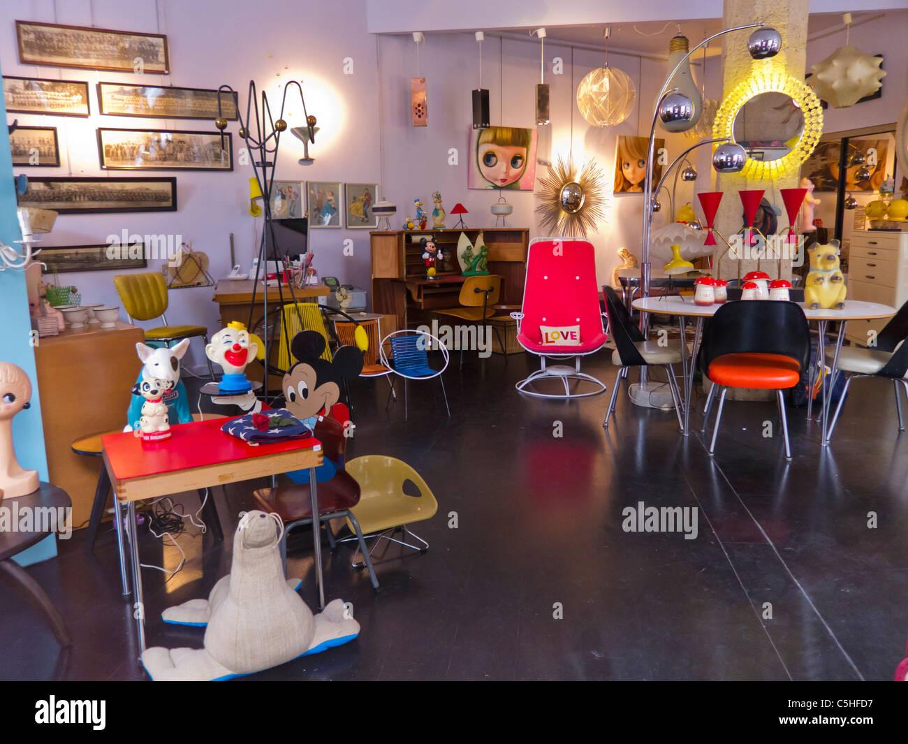 paris france le mobilier vintage une boutique dans le marais la galerie fiesta - Mobilier Vintage Paris