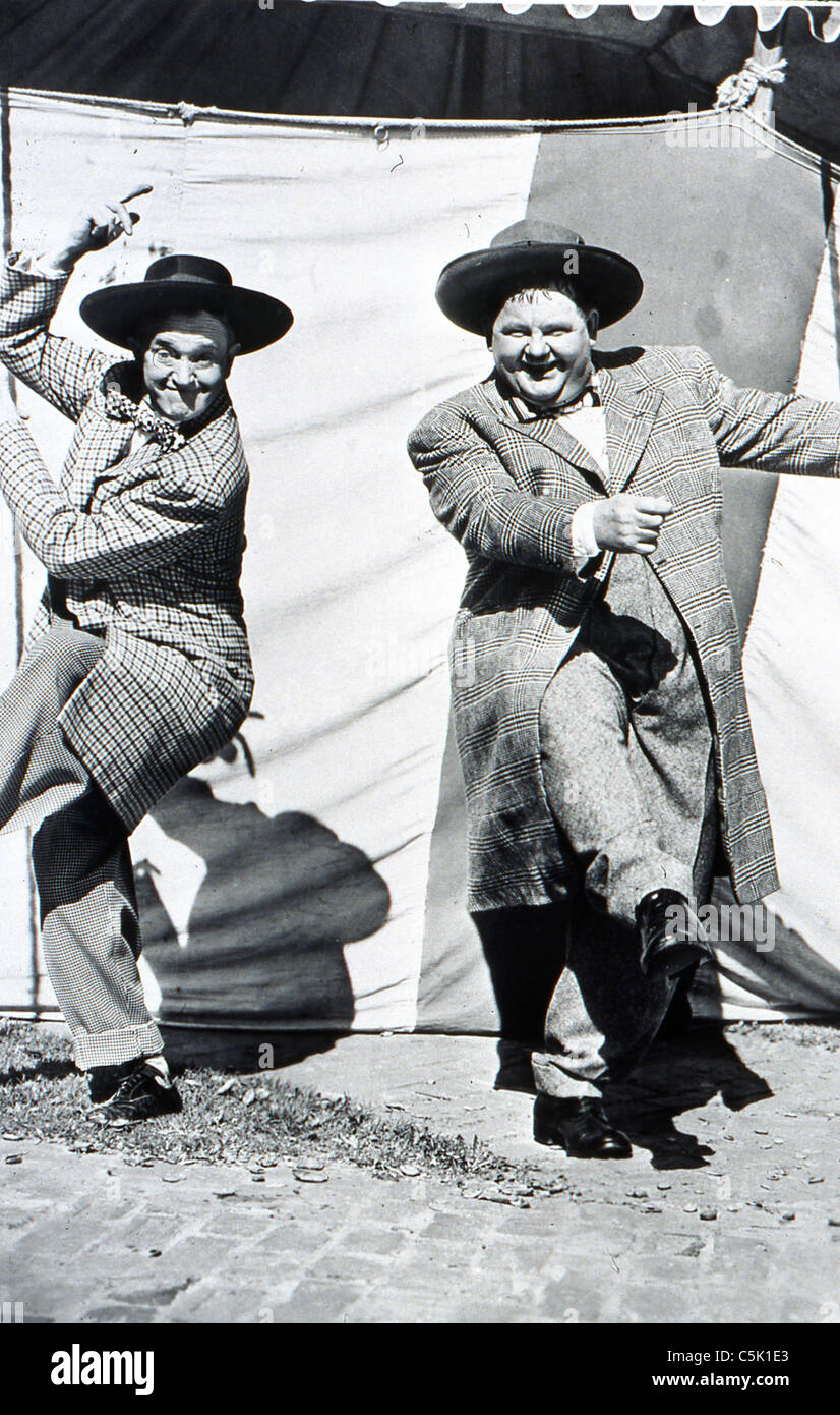 Jitterbugs (1943) Stan Laurel, Oliver Hardy mal st clair (dir) 002 collection moviestore ltd Photo Stock