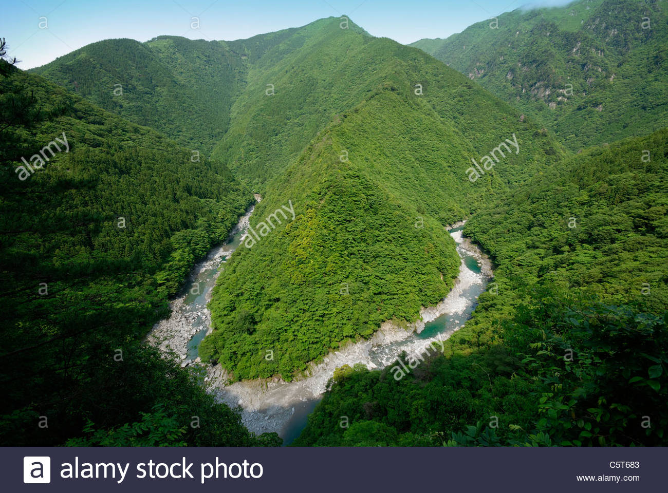 Hi-no-Yi Valley River Bend sur la rivière de Iya Shikoku au Japon Photo Stock