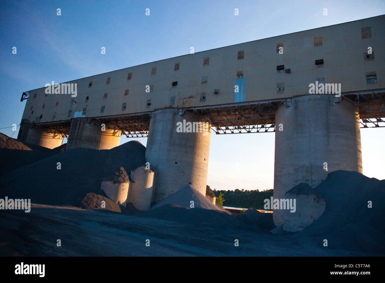 Charbon industriel ascenseur, Ruines de la vallée de l'Hudson, New York, USA Photo Stock