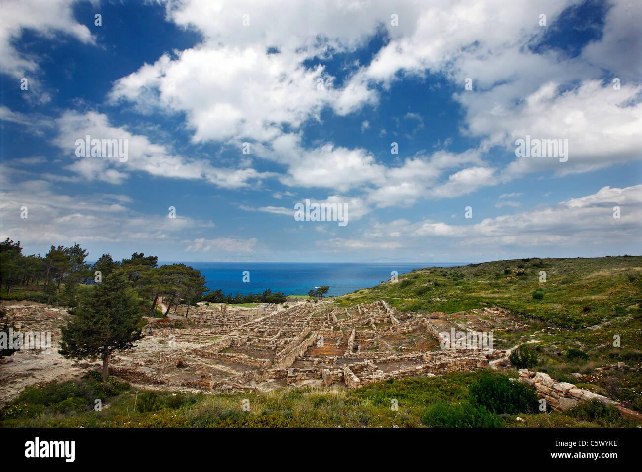 Vue sur le site archéologique de l'antique Kamiros, l'une des 3 grandes villes antiques de l'île Photo Stock