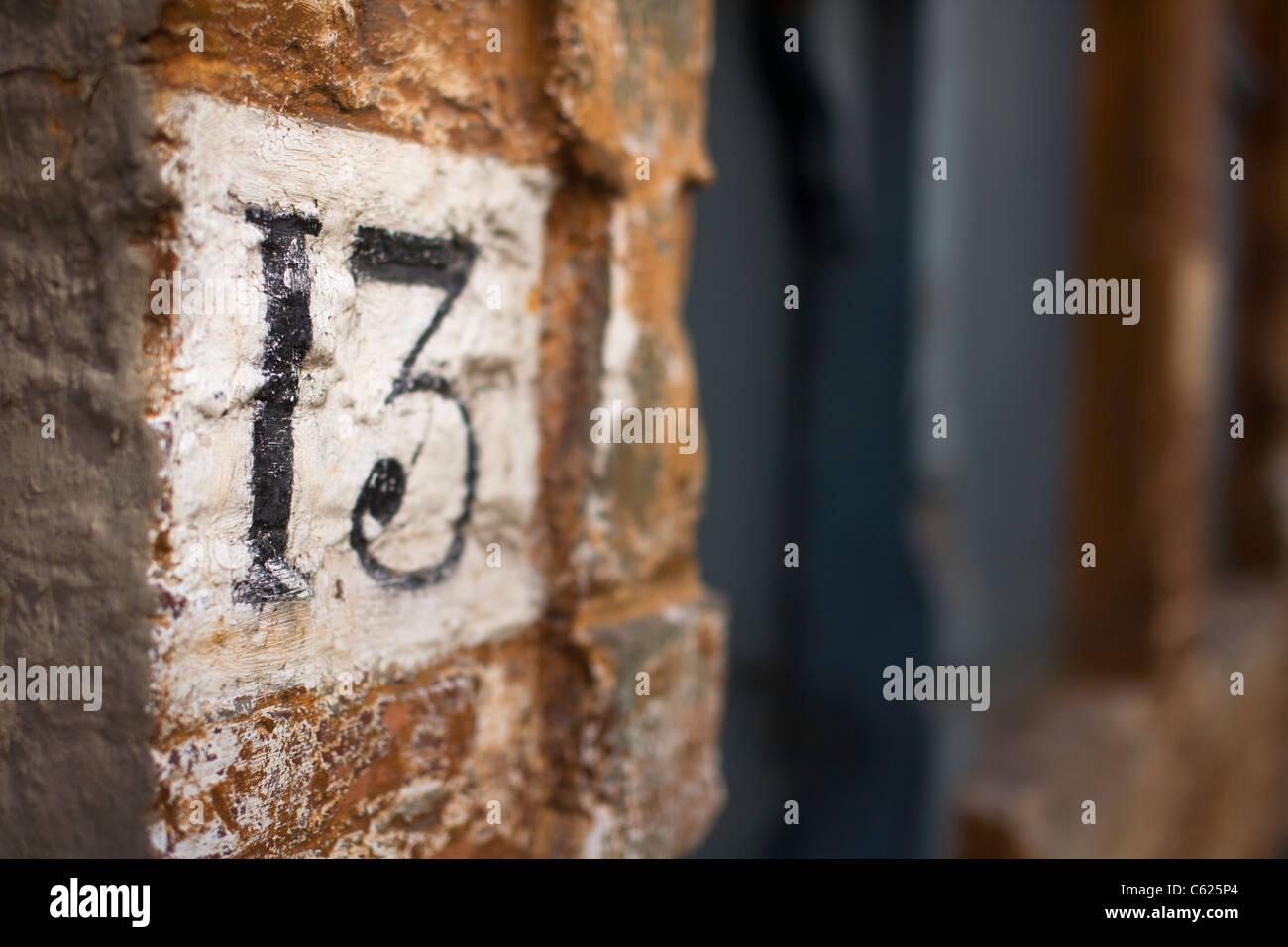 Numéro treize sur la construction à Lille, France Photo Stock