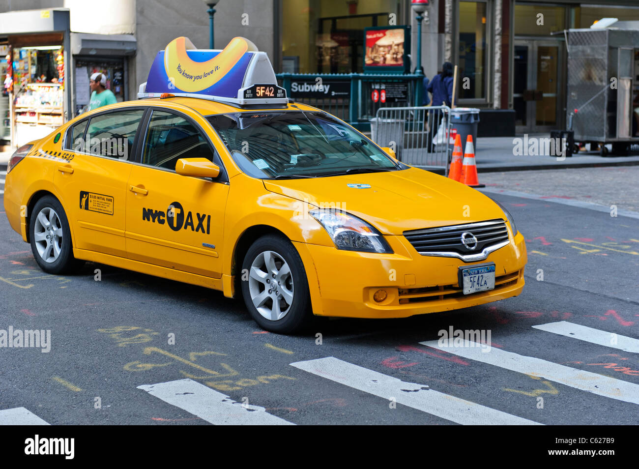 Taxi jaune, la ville de New York, Manhattan, États-Unis. Photo Stock