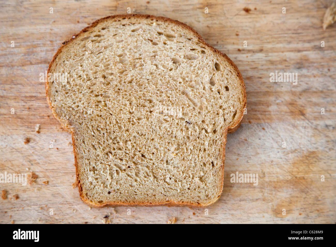 Tranche de pain fait maison Photo Stock