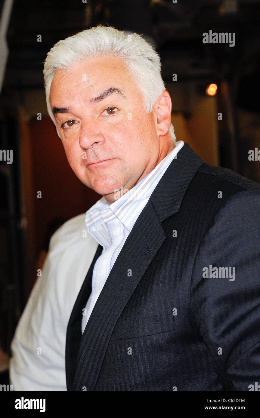 """John O'Hurley, visites """"Live With Regis and Kelly"""" Dehors et environ pour la célébrité Photo Stock"""