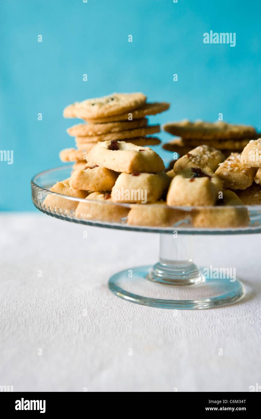 Les cookies, suédois, syltgrotta pinnar finska (confiture biscuit) et korintkaka (raisin cookies) Photo Stock