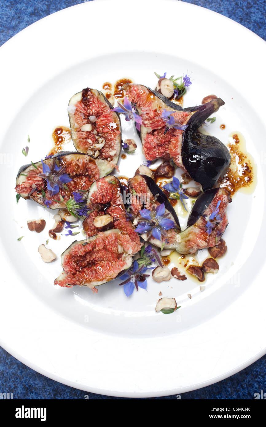 Fig, de noisette et de mélasse de grenade recette de salade. Photo:Jeff Gilbert Photo Stock