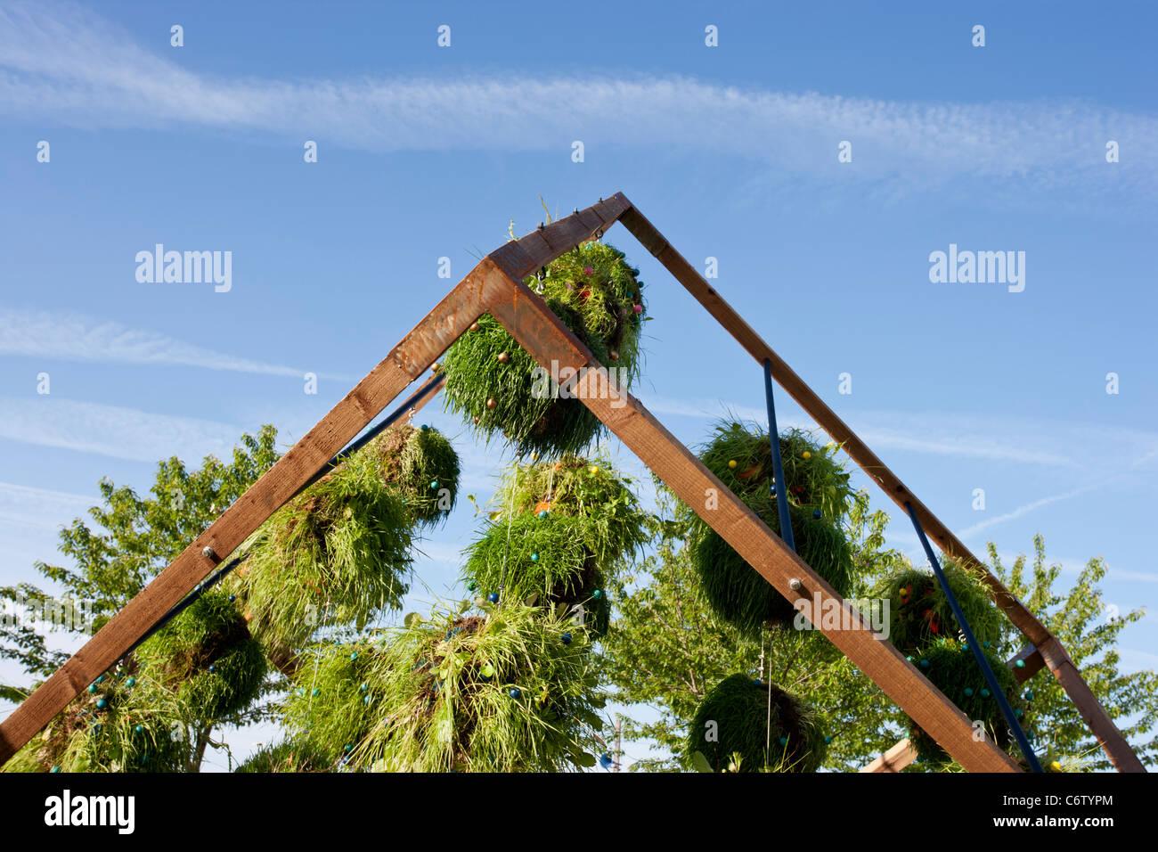 Attribué argent 'Flora dans la poursuite du coeur de la matière' Printemps 2011 de Malvern Jardinage Photo Stock