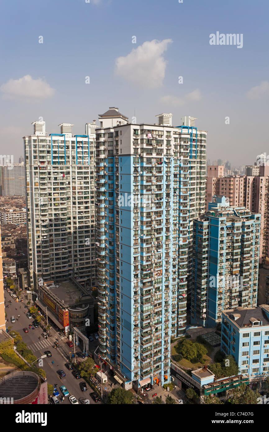 Les immeubles à appartements dans le centre de Shanghai, Shanghai, Chine Photo Stock