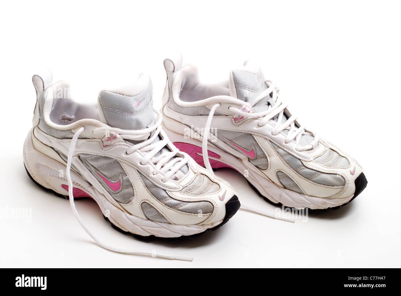 Chaussure Chaussure Vieille Nike Vieille Qbx0pute Chaussure Nike Nike Qbx0pute qRdfHXx