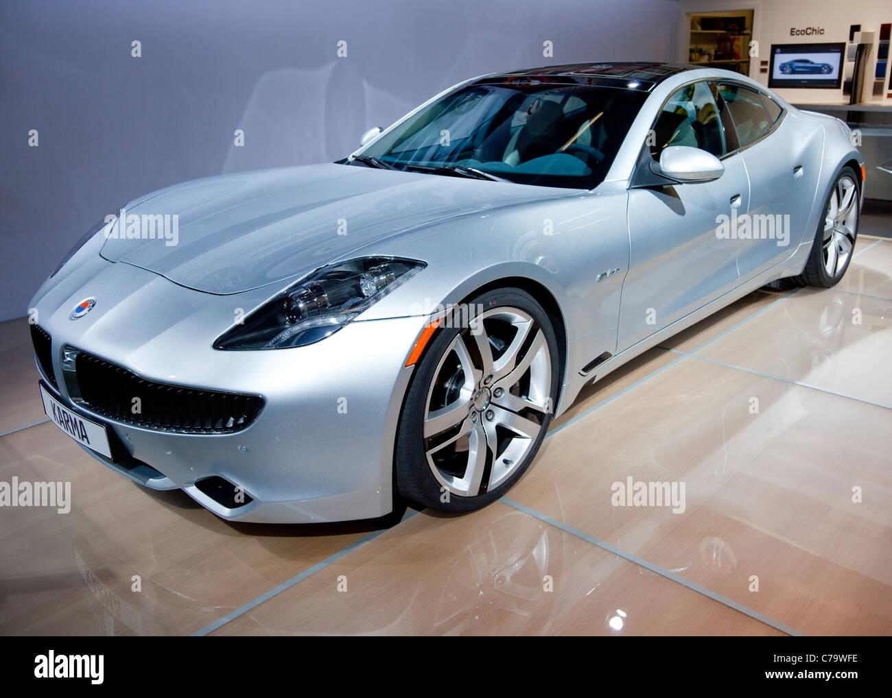 Nouveau véhicule de luxe électrique Fisker Karma avec 2011 IAA International Motor Show de Francfort am Photo Stock