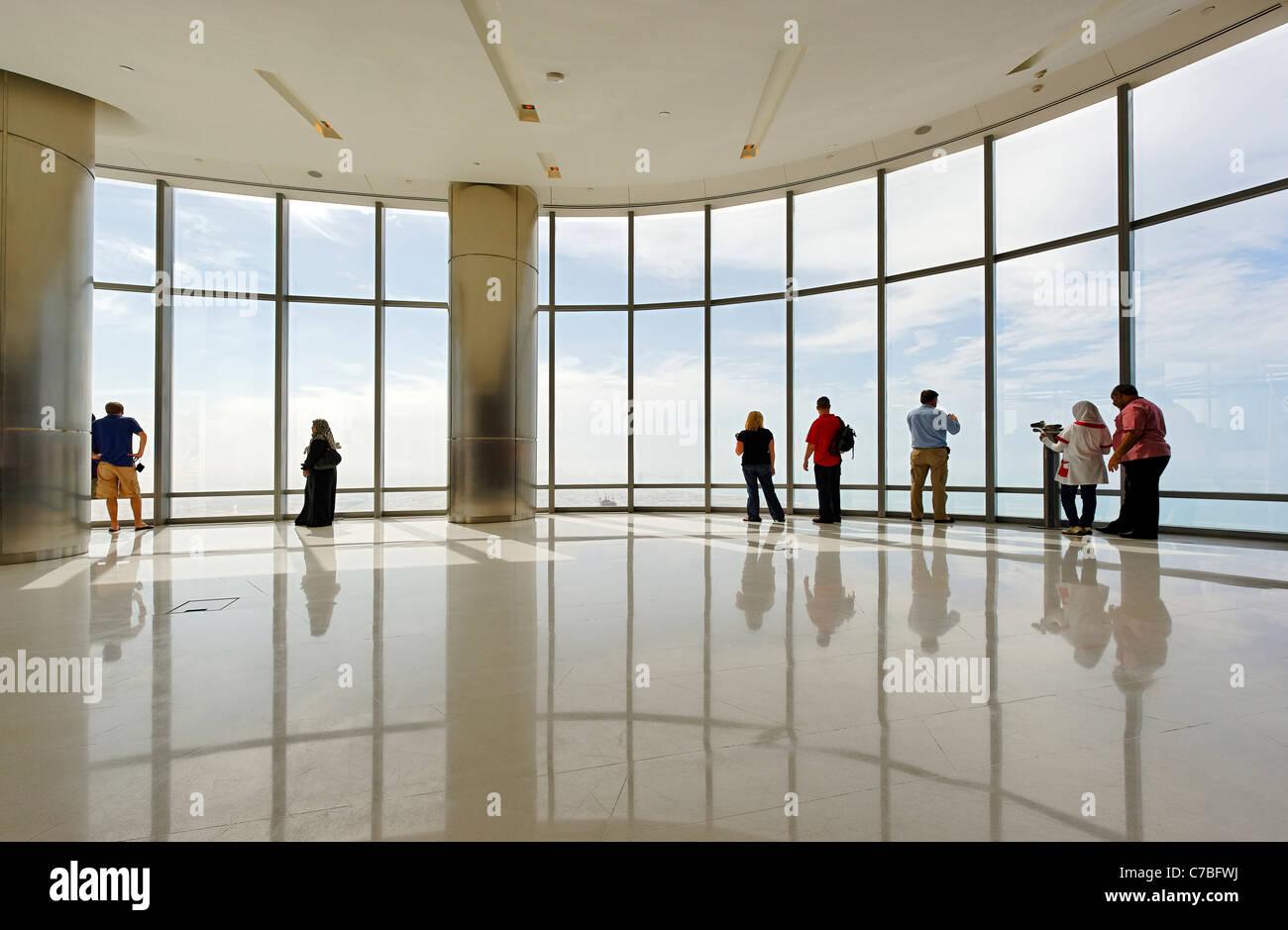 La plate-forme d'observation le plus élevé au monde, EN HAUT, Burj Khalifa, la tour la plus haute au monde, Dubaï,Banque D'Images