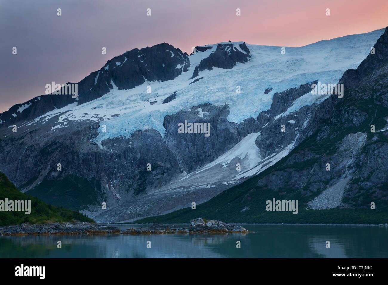 Le Nord-ouest de Sunrise, Fjord Kenai Fjords National Park, près de Seward, en Alaska. Photo Stock