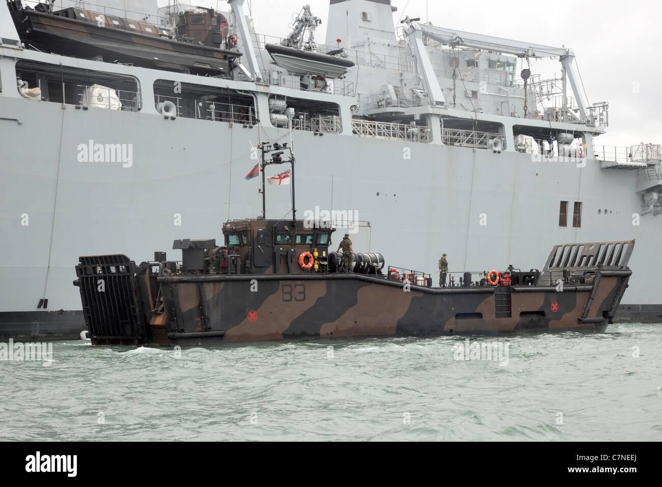 Un LCU Mk10 de débarquement maritime, unité 4 Escadron d'Assaut Royal Marines, aux côtés Photo Stock